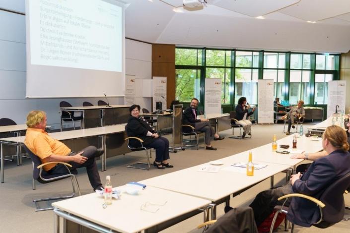 Podiumsgäste v.l. Herr Dr. Römer, Frau Jesinghausen, Prof. Dr. Heußner, Frau Brinke-Griebel